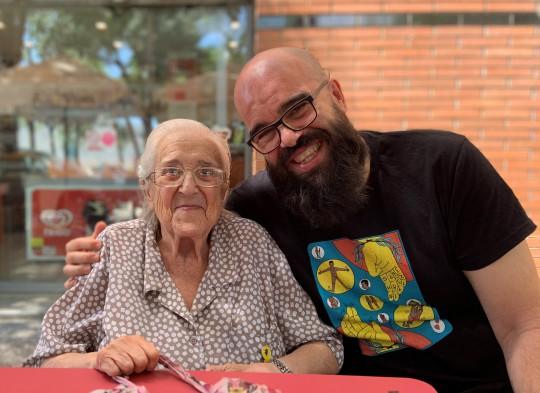María Antònia Canals y el autor, verano de 2019
